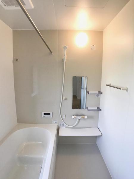 浴室〈2号棟〉毎日の疲れをいやすお風呂。ホッとくつろげる空間です。  ☆2020.9.15撮影