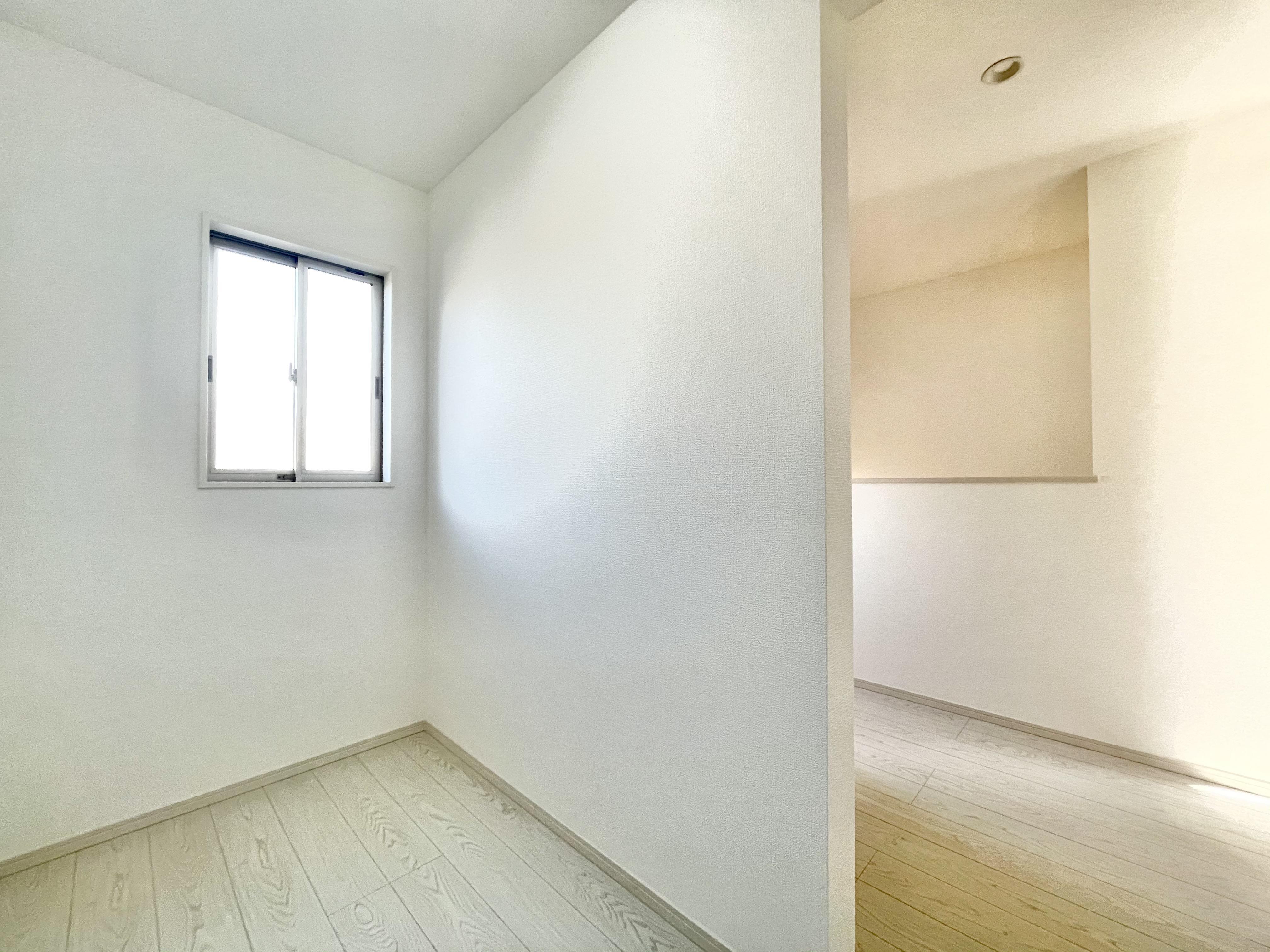 各居室に収納力豊富なウォークインクローゼット付きです!お部屋をキレイにスッキリ利用できます♪