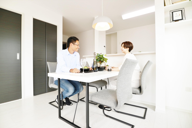 リビングは対面式キッチンなどご家族のコミュニケーションのきっかけとなる様々な工夫が施されています。