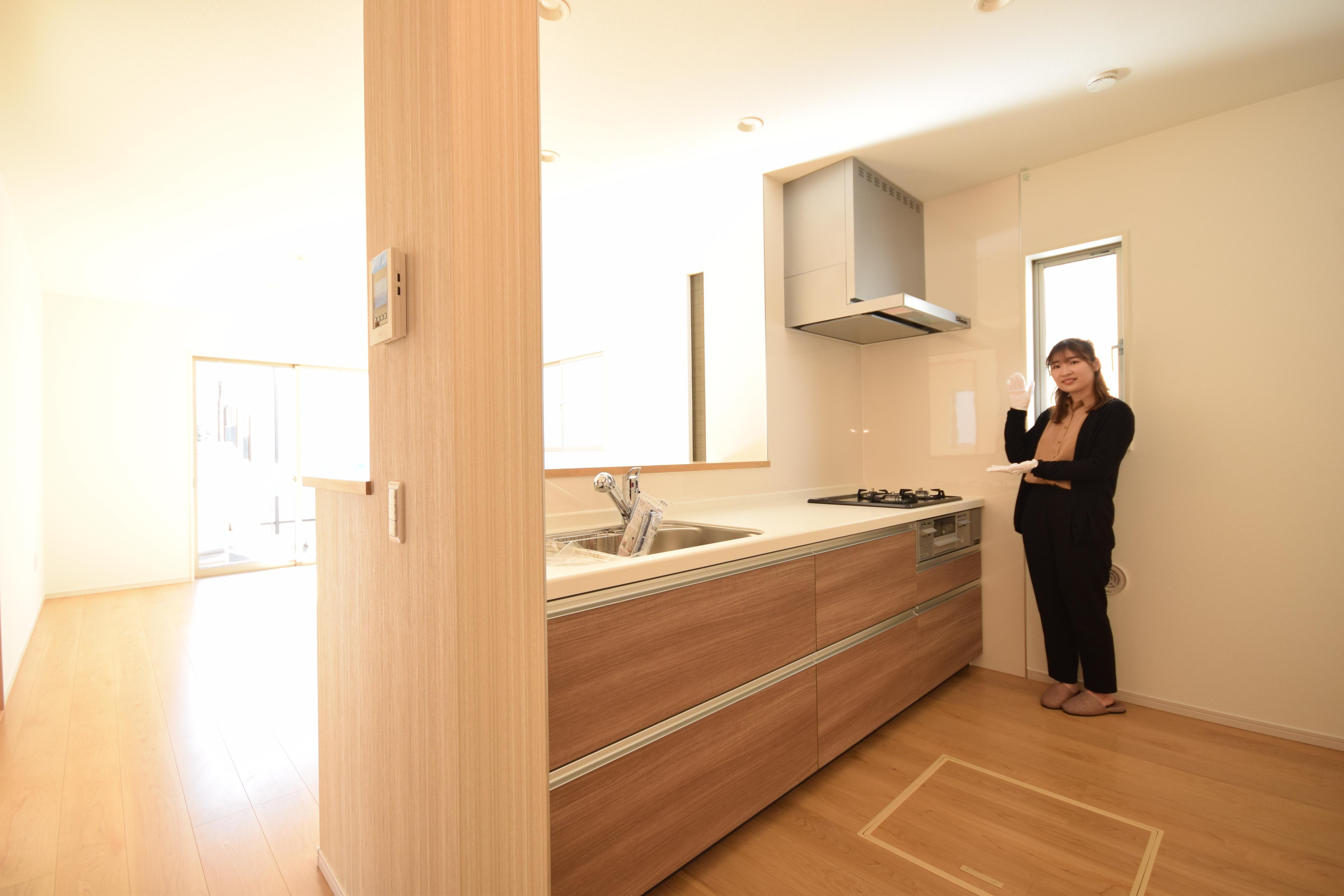 配膳やお片付けに便利な対面キッチンです。コミュニケーションが取りやすく家族の絆が深まります♪