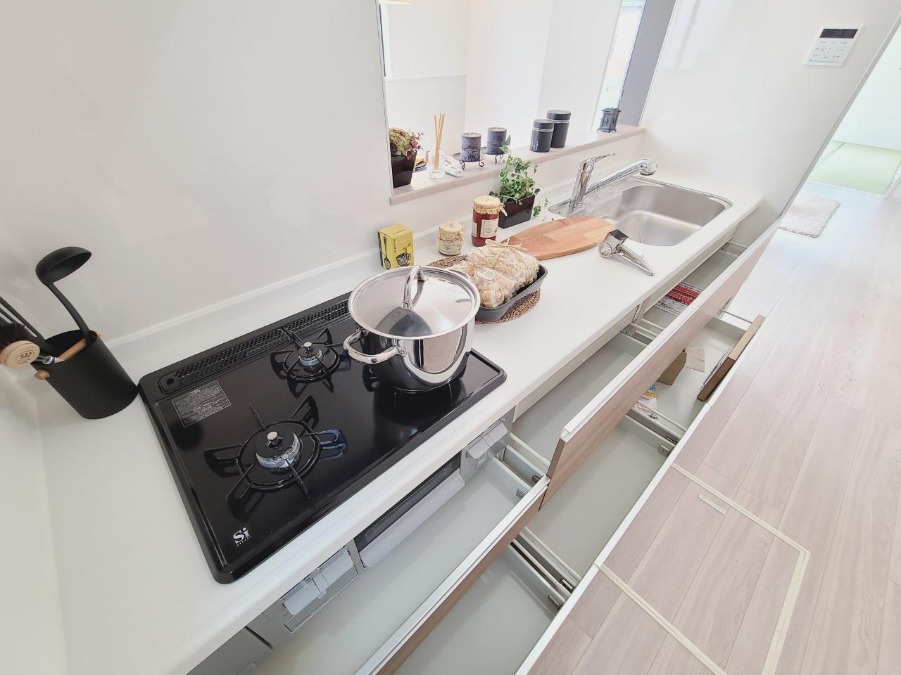 キッチン*キッチン/全スライド式収納♪お皿や鍋の出し入れもラクラク(^^)☆