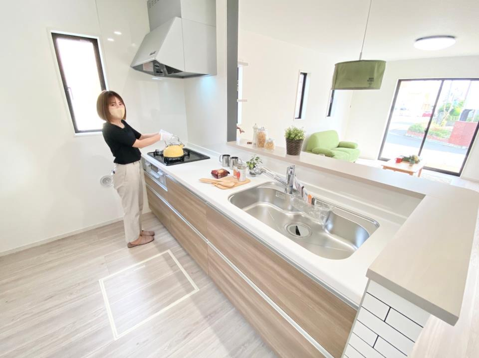 キッチン*キッチン|キッチンから一階全体が見渡せるつくり♪^^(2021年2月撮影)