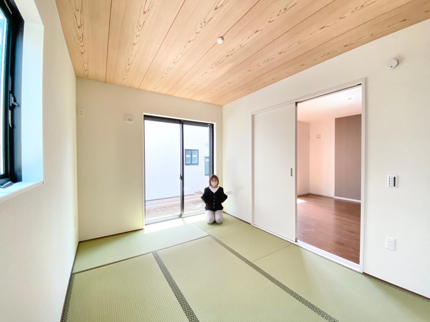 和室*和室|扉付きの和室なのでプライベートな空間にもなります。ご両親がお泊りになっても、ぬくもりを感じられる和室でゆっくりとお寛ぎいただけます♪