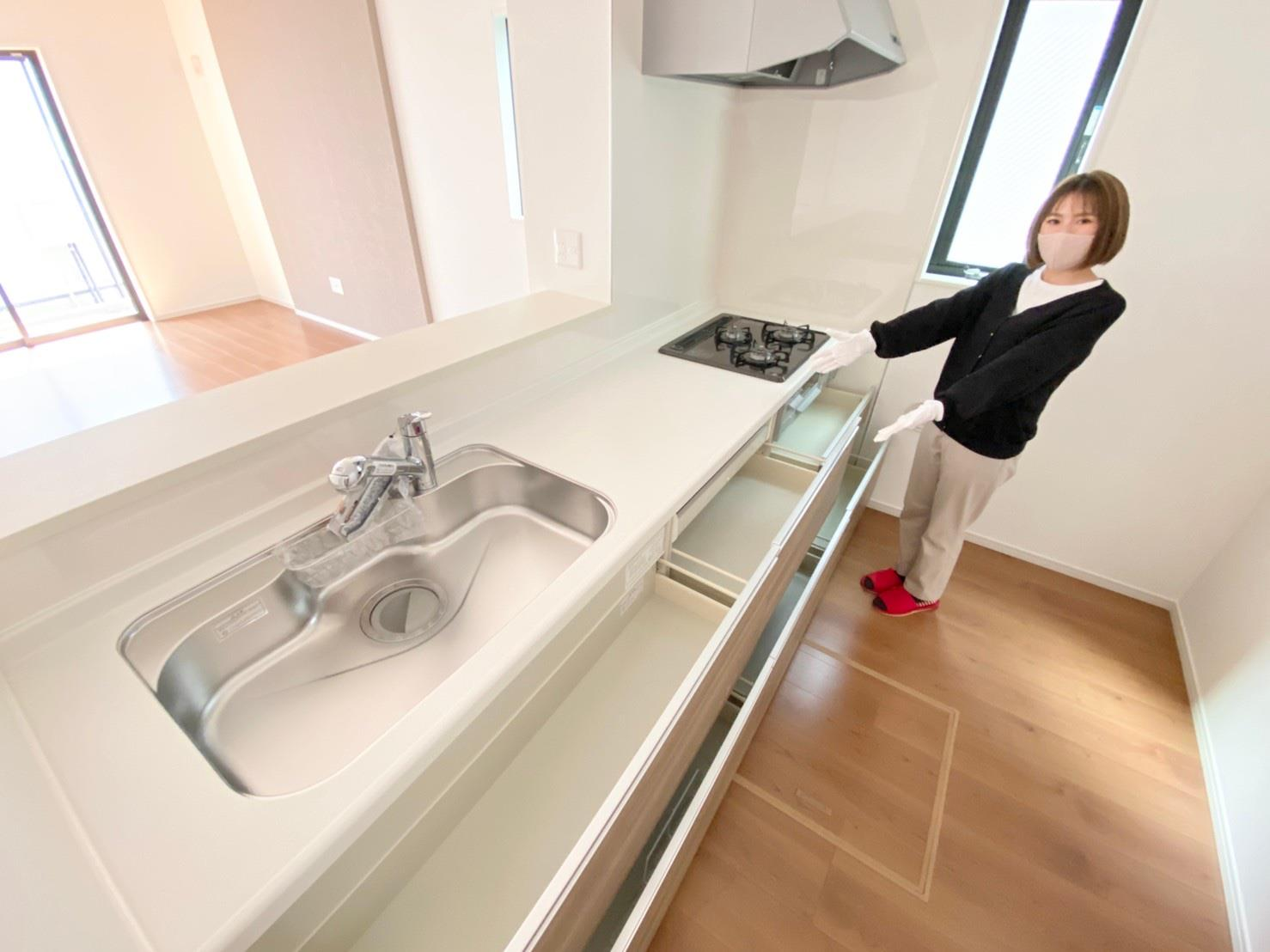 キッチン*キッチン|全スライド式収納キッチン♪お皿や鍋の出し入れもラクラクです(^^)!(2021年3月撮影)