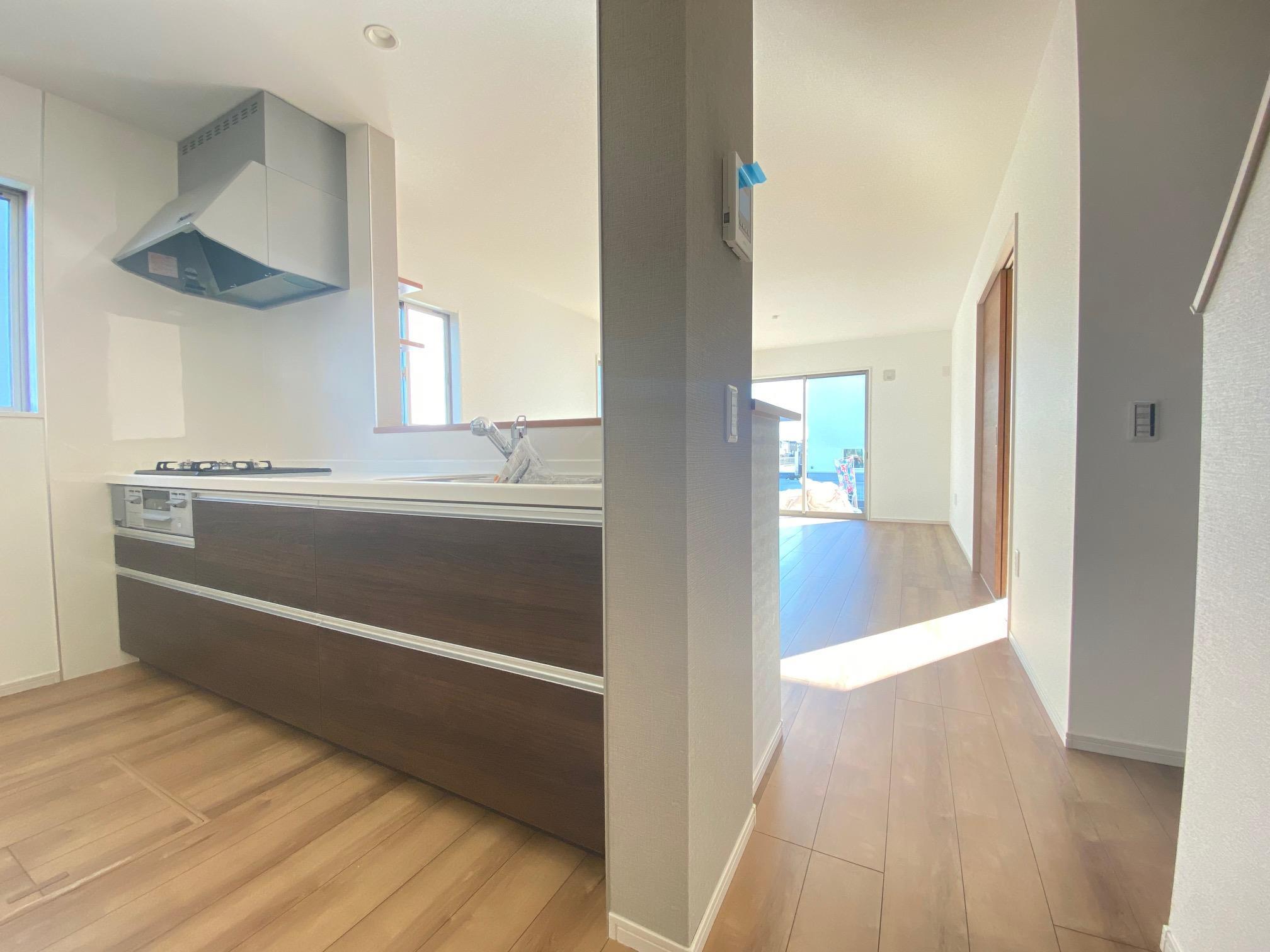 キッチン*キッチン|キッチンで家事をしていても部屋全体が見渡せる安心設計です(^^)☆(2021年2月撮影)