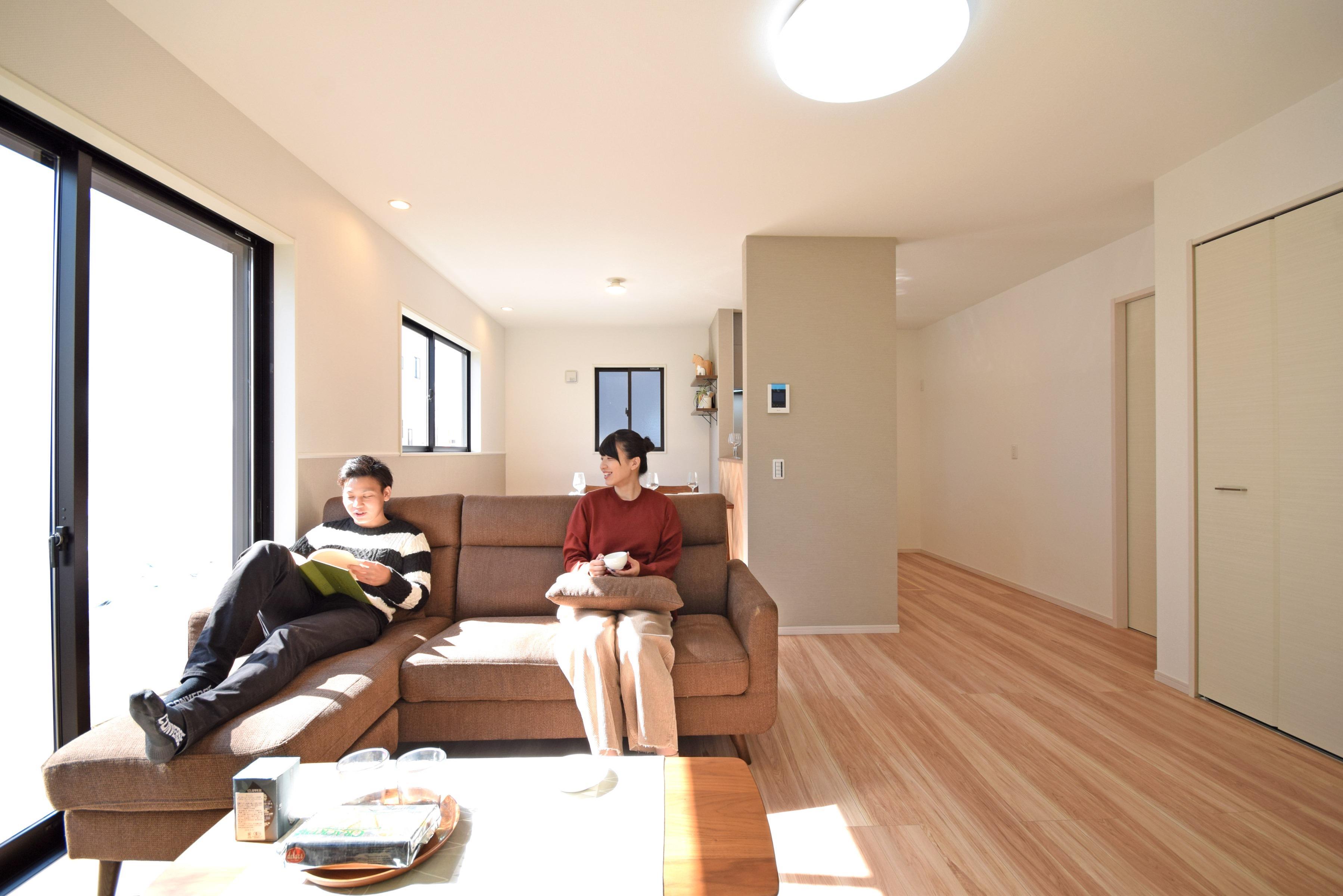 その他内観*リビングイメージ  16帖のリビングダイニングは大きめの家具を置いてもゆとりがあります♪