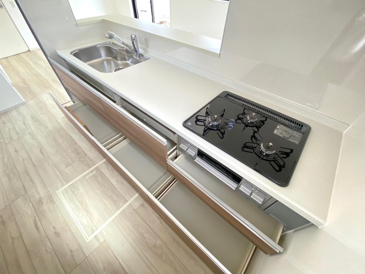 キッチン*キッチン|/全スライド収納♪お皿や鍋の出し入れもラクラクです(^^)☆