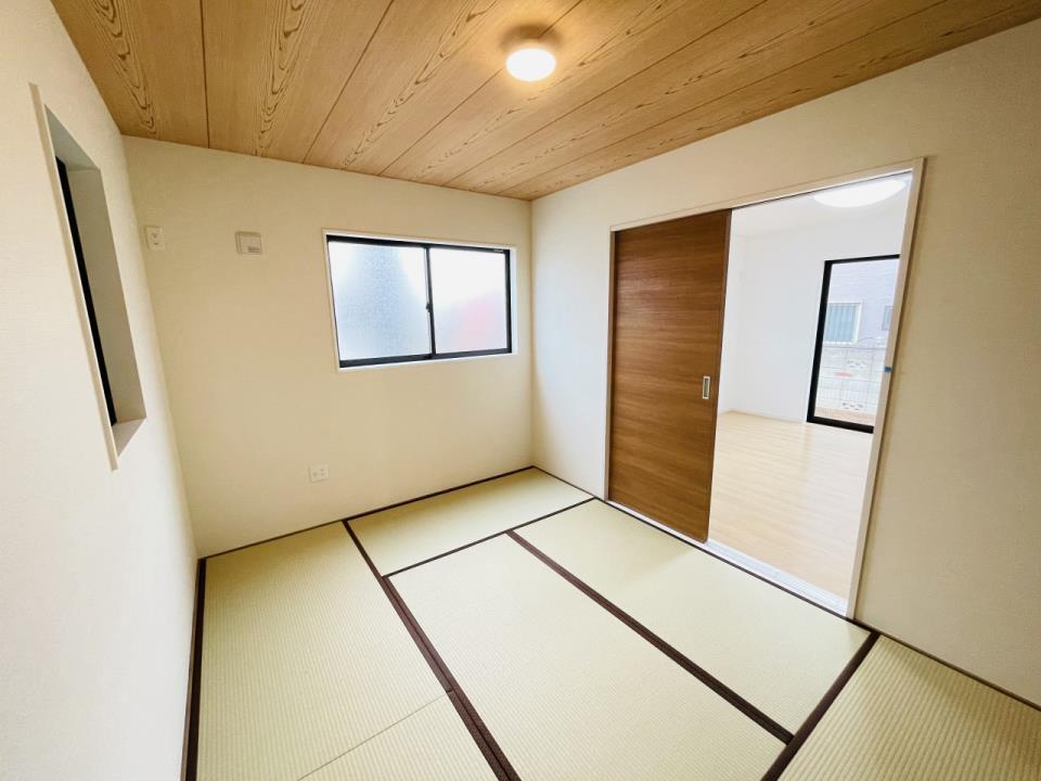 和室でしか味わえない畳ならではの香りや素材で和のやすらぎを感じてください♪