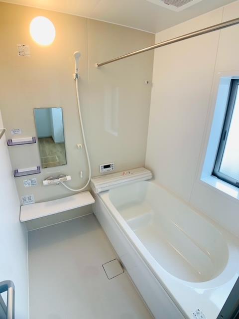 2号棟|1坪の広さでゆったりくつろげる浴室はお子様とのコミュニケーションの場にもなります。