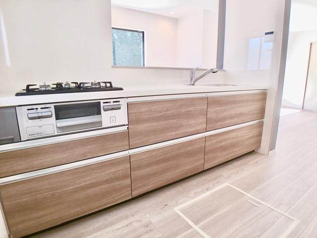 1号棟  ゆとりあるつくりで、材料を取り出したり食器を並べたりと忙しい家事もスムーズにできる