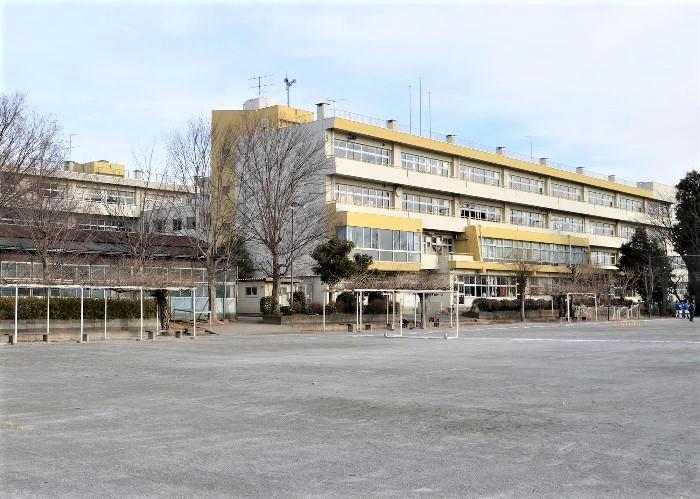 桶川市立桶川西中学校(桶川市立桶川西中学校まで1000m)