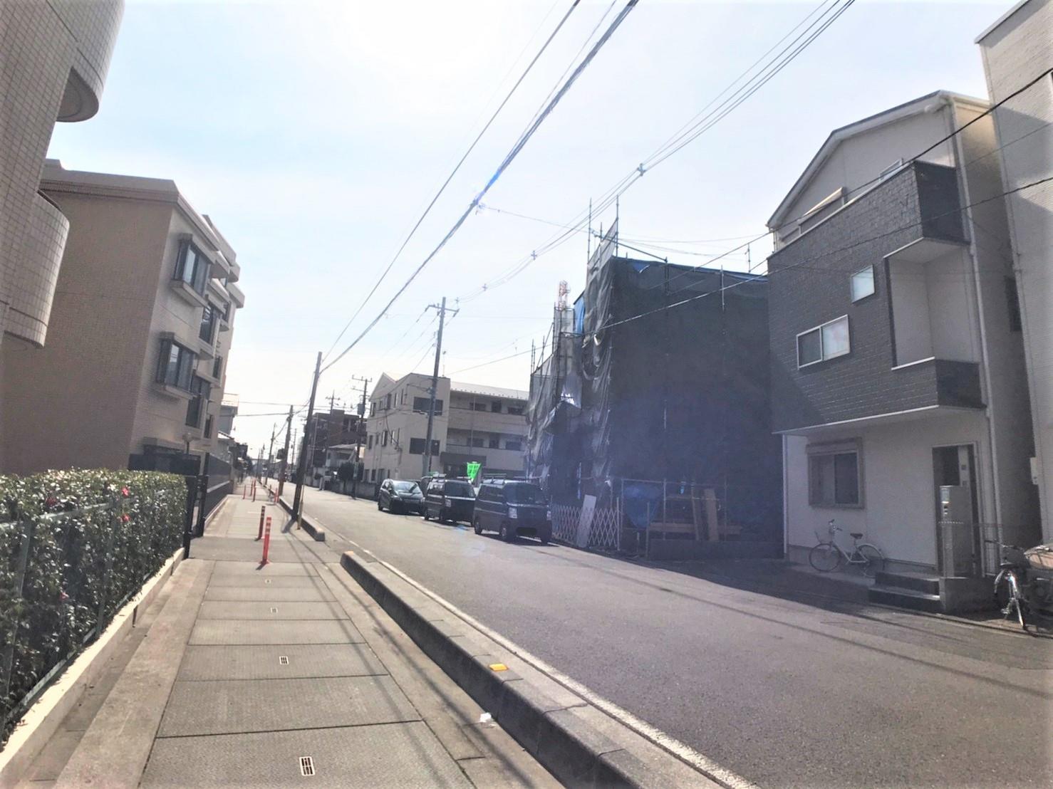 現地外観  ◆現地は、外環道へ出やすく、川口・和光方面へアクセス良好の立地です♪