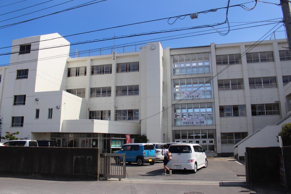 土浦第二中学校 土浦第二中学校 約1.1km 徒歩14分 /1100m