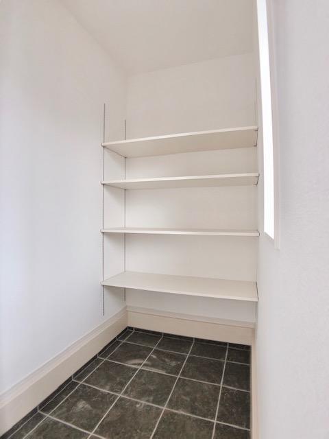 玄関◆4号棟◆  玄関収納もついているので靴や物が散らかりにくくなります!